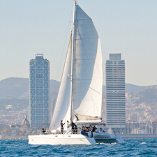 Blue Magic- Catamarans i Velers