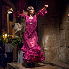 Tour de Tapas a pie con Flamenco en Barcelona