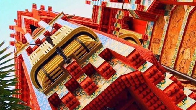 Casa Vicens virtually discover it