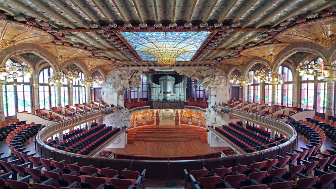 This summer visit and rediscover the Palau de la Música Catalana