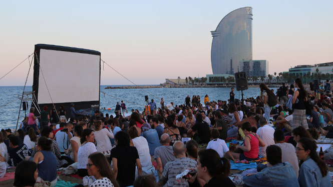 Free summer film screenings on the beach independent film nights