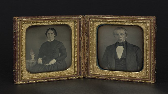 Authorship unknown Portraits of a woman and a man, ca.1840-1860 Case with two daguerreotypes from the Ángel Fuentes de Cía collection