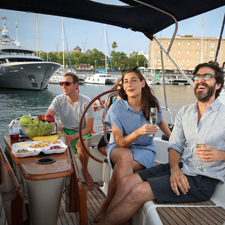 Morning light brunch or snack & Sailing Experience