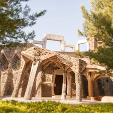 Unknows Gaudí (Colònia Güell and the crypt), Tapas and Cava Winery